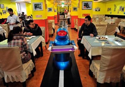 Robots Restaurant in China