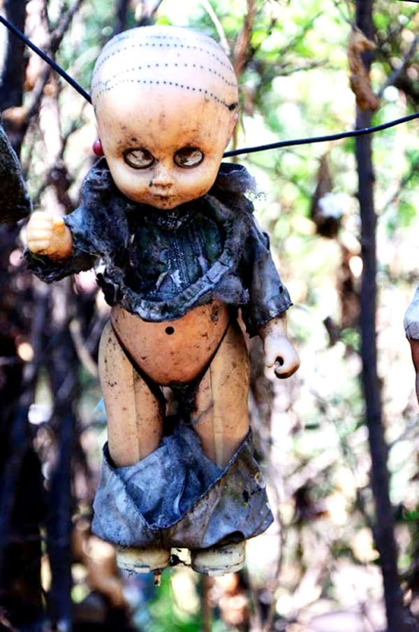 haunted-island-of-dolls-mexico